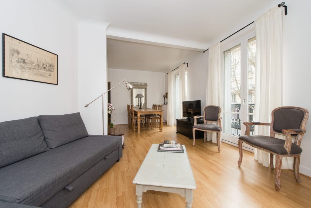 Paris Holiday Apartment for Rent - Living Room
